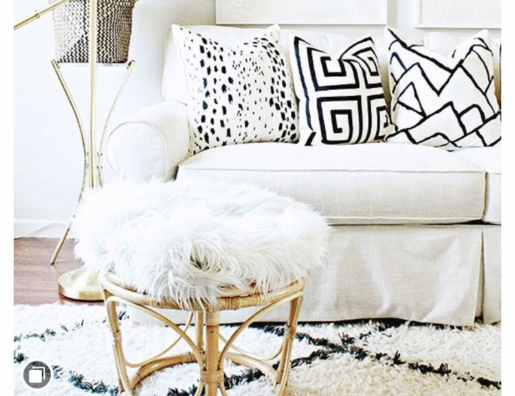 How to Customize your Throw Pillows with a Sharpie