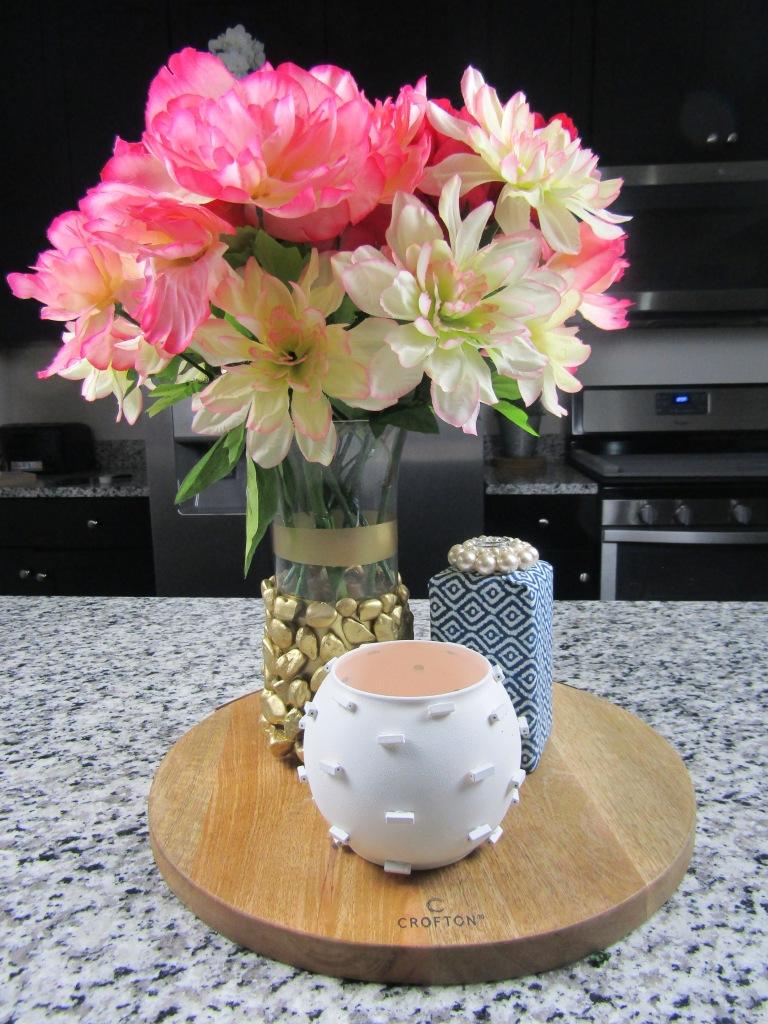 DIY vase makeover ideas, how to make a ginger jar vase. DIY vase decor ideas
